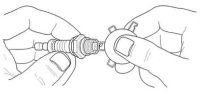 GENERACポータブル発電機 LP3250 点火プラグのギャップ調整